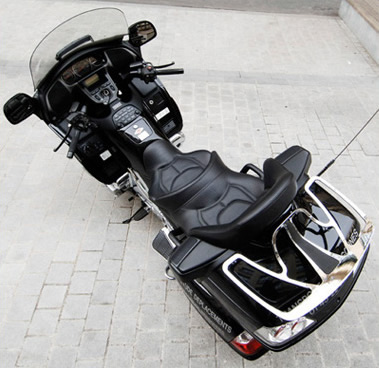 taxi moto rigoureusement s curisant paris gold express. Black Bedroom Furniture Sets. Home Design Ideas